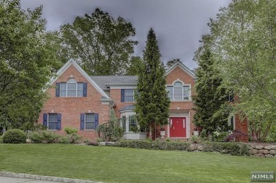 Mahwah Single Family Home For Sale: 75 Maysenger Road