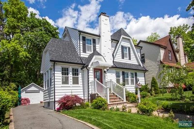 Teaneck Single Family Home For Sale: 77 Lindbergh Boulevard