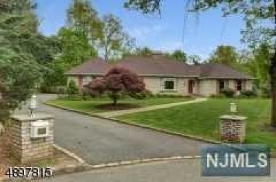 Essex County Single Family Home For Sale: 34 Thackery Drive