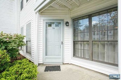 Mahwah Condo/Townhouse For Sale: 74 Konight Court #74