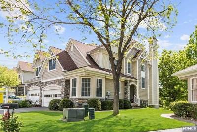 Oakland Condo/Townhouse For Sale: 14 Cobblestone Court