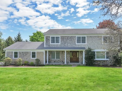 Upper Saddle River Single Family Home For Sale: 76 Carlough Road