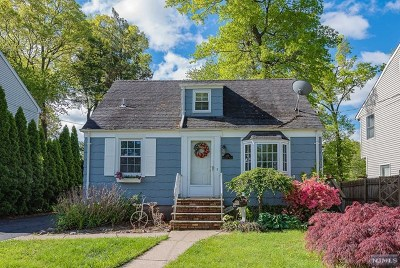 Waldwick Single Family Home For Sale: 110 Manhattan Avenue