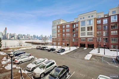 West New York Condo/Townhouse For Sale: 22 Ave At Port Imperial #112