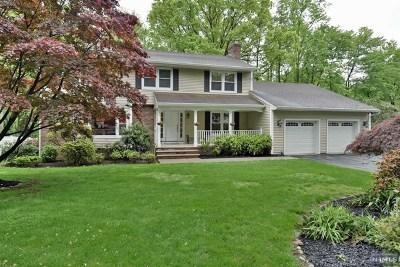 Bergen County Single Family Home For Sale: 835 Loretta Drive