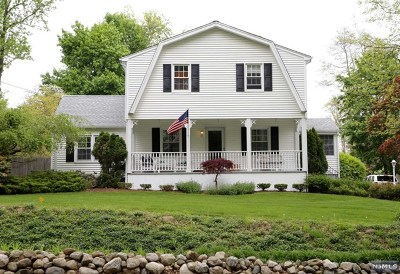 Mahwah Single Family Home For Sale: 324 Forest Road
