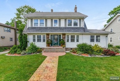 Essex County Single Family Home For Sale: 15 Gould Place