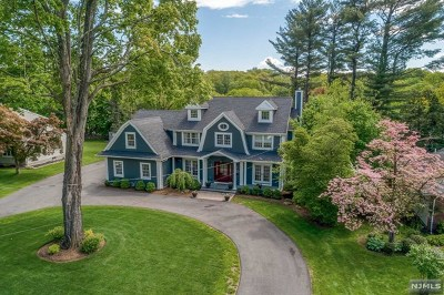 Bergen County Single Family Home For Sale: 32 Lakeside Drive