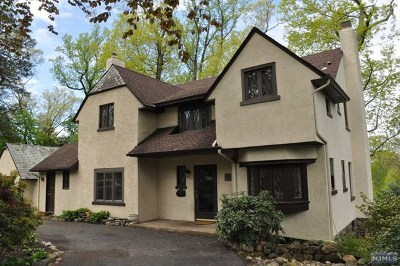 Mahwah Single Family Home For Sale: 56 Malcolm Road