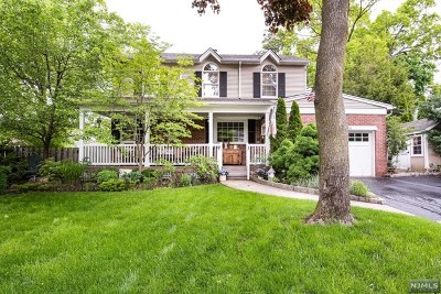 River Edge Single Family Home For Sale: 270 Berkeley Road