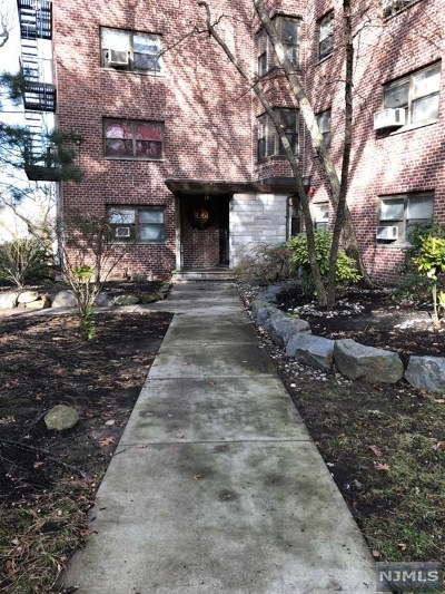 Fort Lee Condo/Townhouse For Sale: 3061 Edwin Avenue #5j
