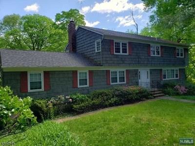 Franklin Lakes Single Family Home For Sale: 565 Kiowa Drive