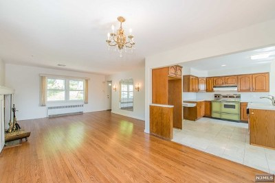 Essex County Single Family Home For Sale: 420 Fairview Avenue