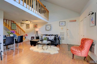 Lyndhurst Condo/Townhouse For Sale: 651 Riverside Avenue #B30