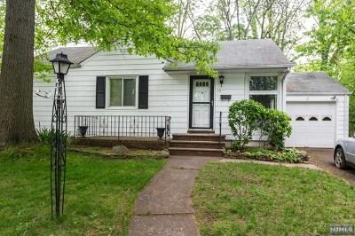 Dumont Single Family Home For Sale: 111 Medford Road