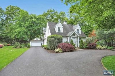 Tenafly Single Family Home For Sale: 34 Sherwood Road