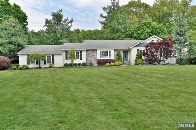 Wyckoff Single Family Home For Sale: 280 Wyckoff Avenue