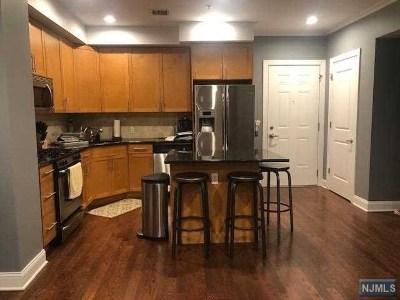Cliffside Park Condo/Townhouse For Sale: 500 Anderson Avenue #302