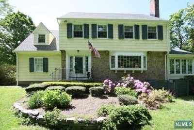 Essex County Single Family Home For Sale: 51 Dryden Road