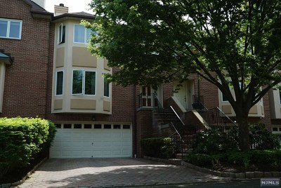 Fort Lee Condo/Townhouse For Sale: 13 Victoria Place