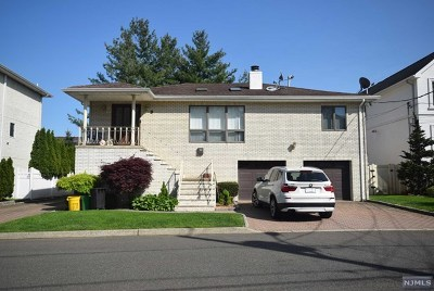 Englewood Cliffs Single Family Home For Sale: 8 7th Street