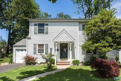 Clifton Single Family Home For Sale: 26 Cottage Lane
