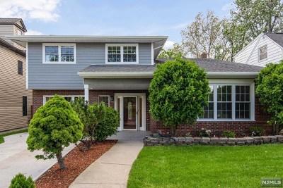 Hudson County Single Family Home For Sale: 679 Hudson Avenue