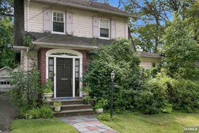 Englewood Single Family Home For Sale: 260 Van Nostrand Avenue