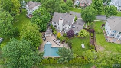 Wayne Single Family Home For Sale: 8 Fox Hill Drive