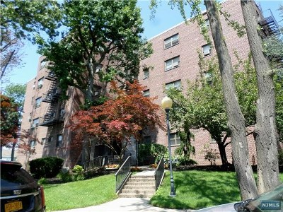 Bergen County Condo/Townhouse For Sale: 501 Linwood Drive #2h