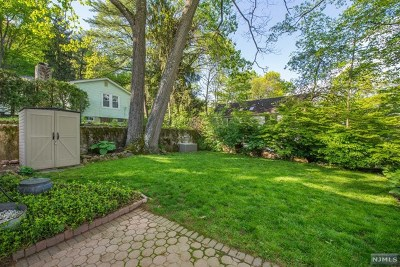 Morris County Single Family Home For Sale: 6 South Shore Road