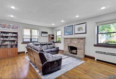 Teaneck Single Family Home For Sale: 304 Winthrop Road