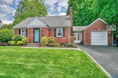 Bergenfield Single Family Home For Sale: 149 4th Street