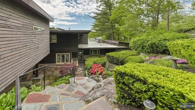 Passaic County Single Family Home For Sale: 123 Demarest Road