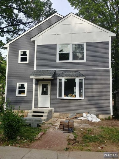 Bergen County Single Family Home For Sale: 37 Elycroft Parkway