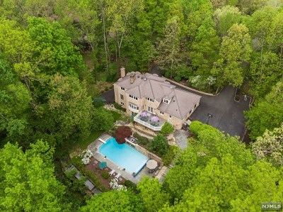 Morris County Single Family Home For Sale: 11 Canterbury Road