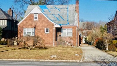 Teaneck Single Family Home For Sale: 483 Churchill Road