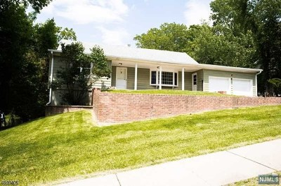 Essex County Single Family Home For Sale: 28 Reservoir Place
