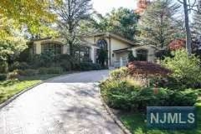 Essex County Single Family Home For Sale: 8 Driftwood Drive