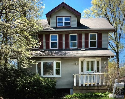 Teaneck Single Family Home For Sale: 1258 Longfellow Avenue