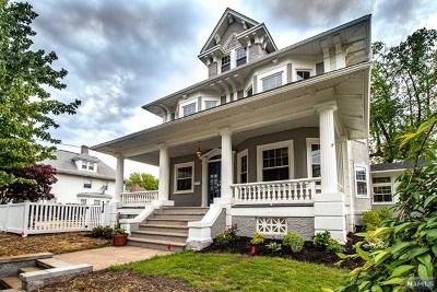 Hudson County Single Family Home For Sale: 66 Pleasant Place