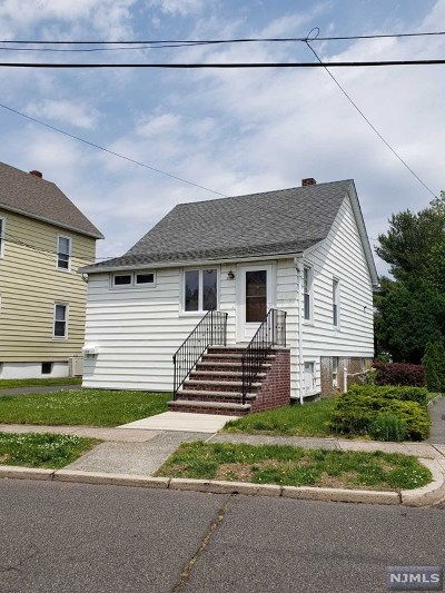 Lyndhurst Single Family Home For Sale: 123 Court Avenue