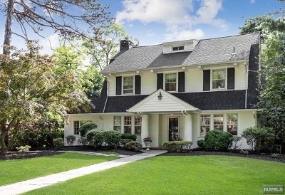Ridgewood Single Family Home For Sale: 638 Hillcrest Road