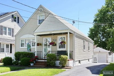 Bergenfield Single Family Home For Sale: 203 Harrington Street