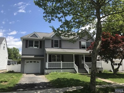 Rochelle Park Single Family Home For Sale: 84 South Drive