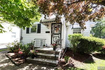 Bergen County Single Family Home For Sale: 138 River Edge Road