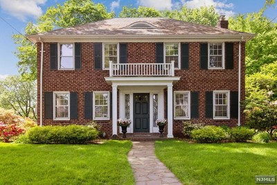 Tenafly Single Family Home For Sale: 1 Sherwood Road