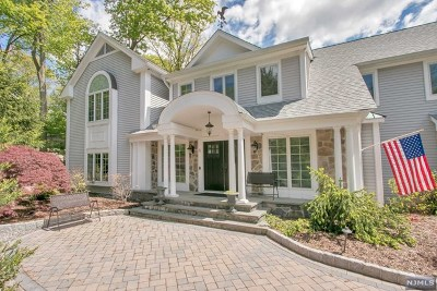 Bergen County Single Family Home For Sale: 3 Ihnen Court