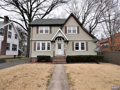 Teaneck Single Family Home For Sale: 53 West Forest Avenue