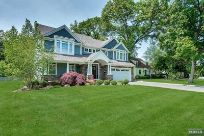 Ho-Ho-Kus Single Family Home For Sale: 33 Edgewood Drive